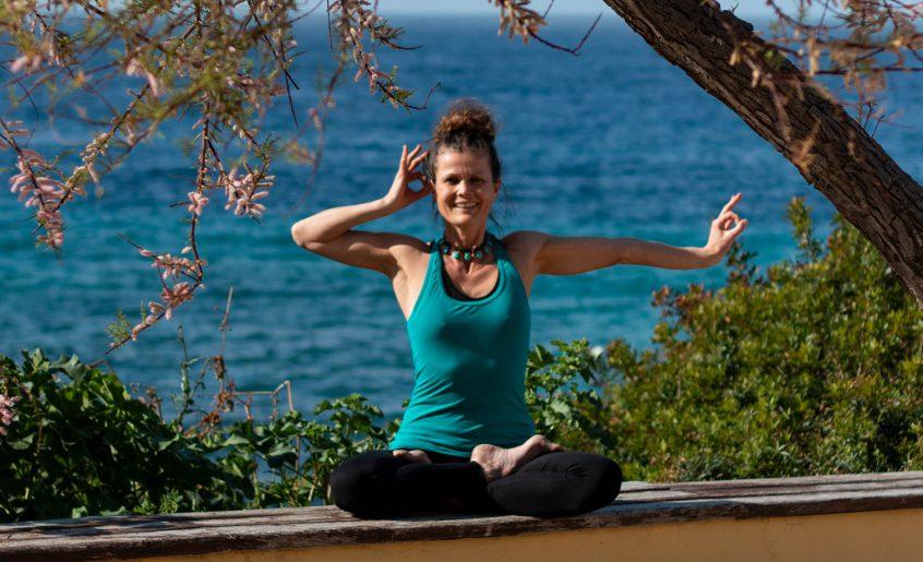 Über Julia Langenbach: Yogalehrerin für Lu Jong auf Mallorca